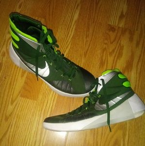 2015 Nike Hyperdunk 749645-303 Grn/Mtlc Silv